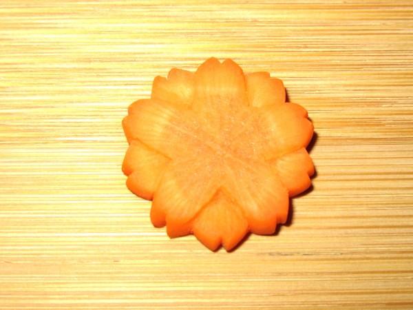 八重桜人参、飾り切り