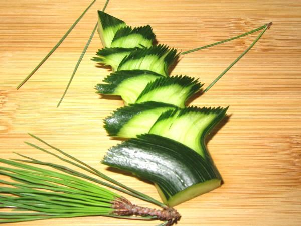 松胡瓜の飾り切りと形をととのえるコツ