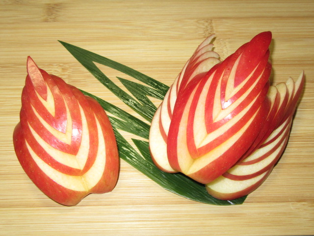 木の葉りんご,果物の飾り切り,くらかけ切り
