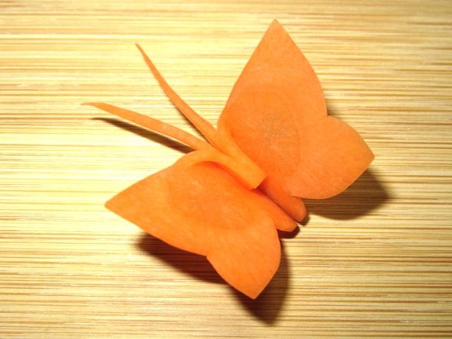 春の人参飾り切り方法,ちょうちょうの切り方手順,蝶々