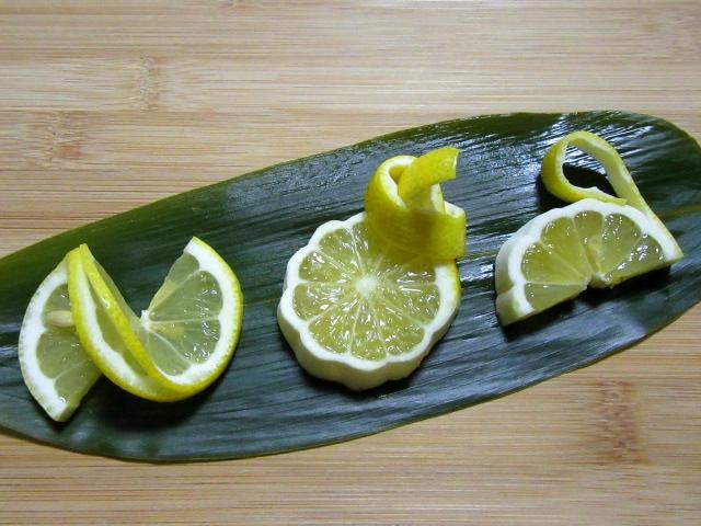 レモンの飾り切り方法,果物の切り方手順