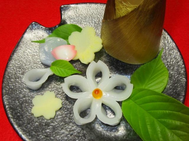 紋甲いかの桜造り,春の刺身の献立