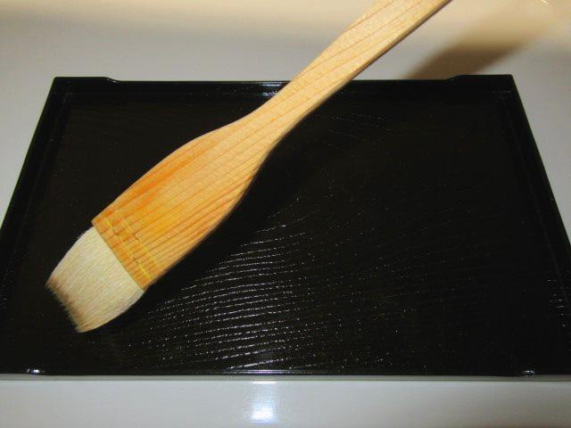 あゆ,鮎の焼き物演出,黒盆,刷毛,みりん