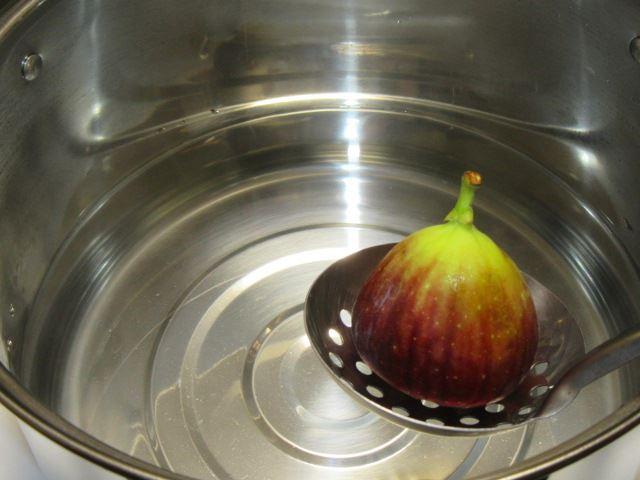 いちじくの湯むき方法