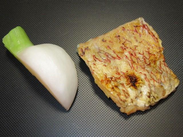 焼き鯛とかぶの土瓶蒸しの作り方