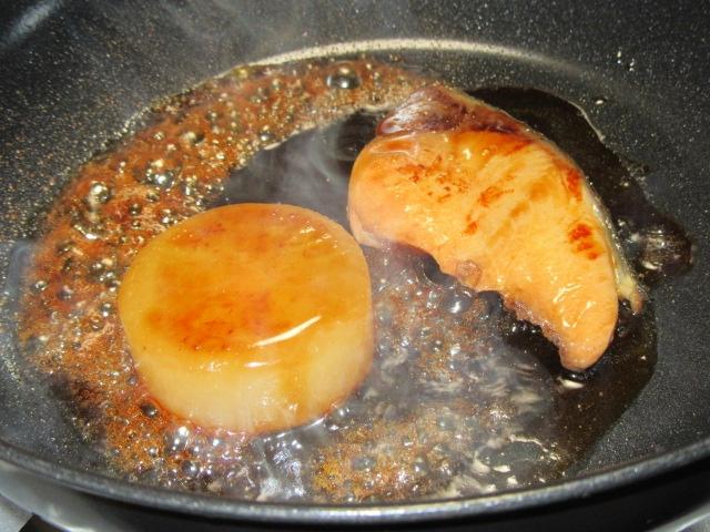 ぶりと大根の和風ステーキ,冬の焼き物と洋皿の献立