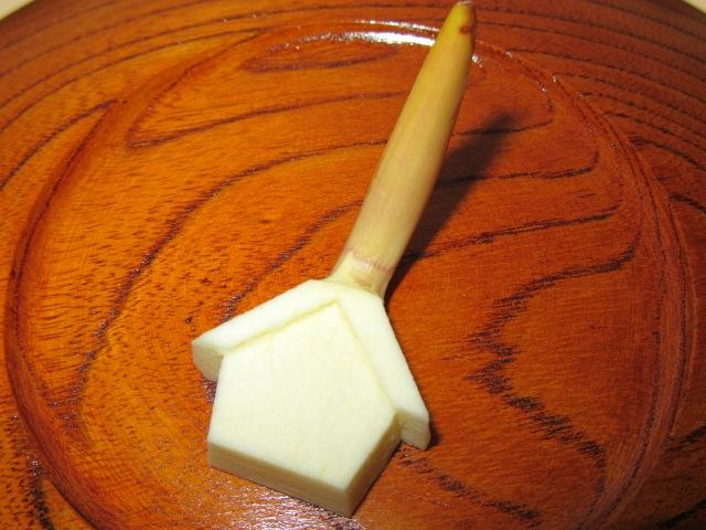 絵馬くわいの切り方,おせち料理のむきもの,煮物の飾り切り