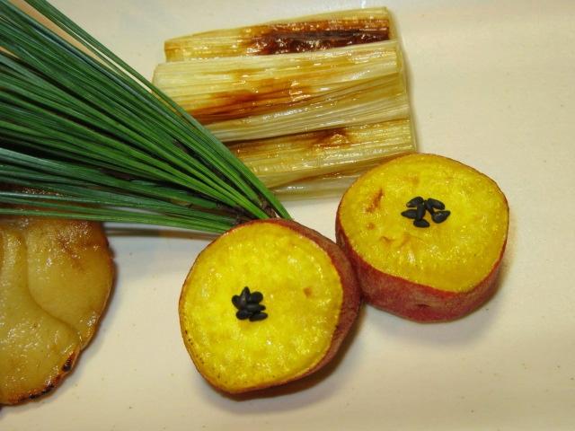 さつま芋のシロップ煮のごま塩焼き