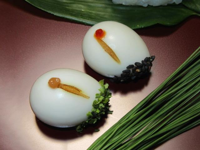 鶴玉子二種類,うずら卵の細工料理