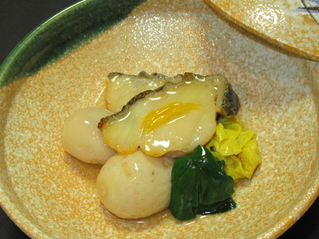 焼き鱈と子芋のたき合わせの作り方,湯葉の吉野煮とほうれん草色だし煮,針ゆず,冬の煮物の献立
