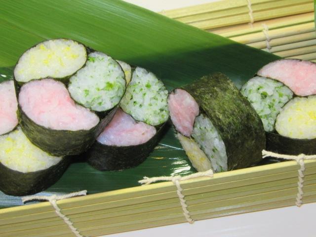 巻き寿司の作り方,三色の三つ巴寿司