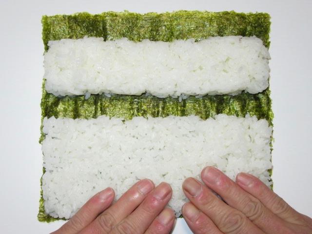 三色裏巻き寿司の作り方手順,酢飯の広げ方