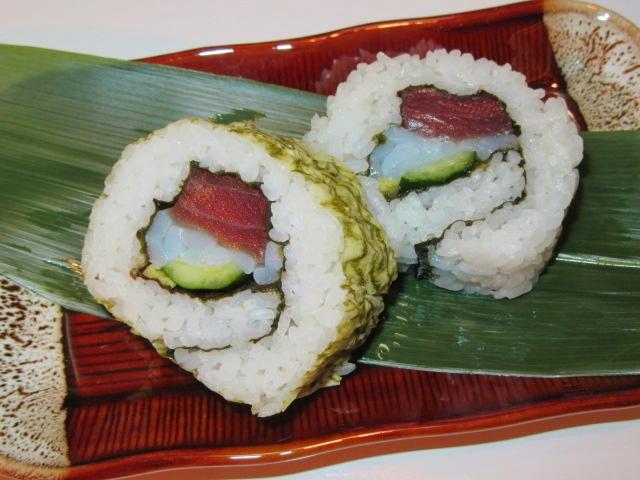 裏巻き寿司の作り方,三色巻き寿司の盛りつけ