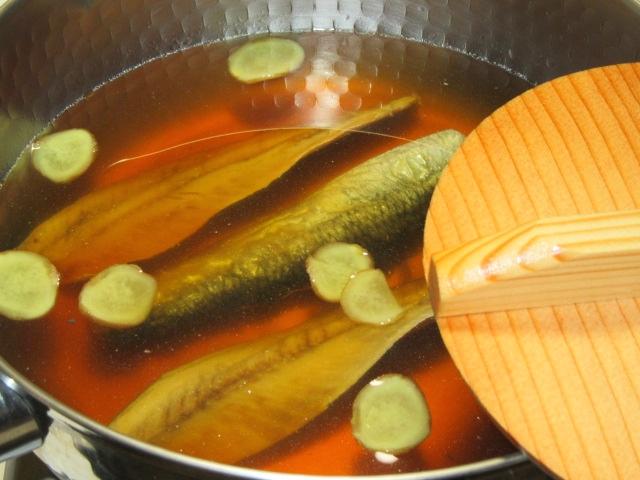にしんなすの煮物の作り方,落とし蓋をして鰊を煮る工程