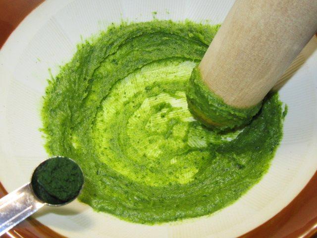 木の芽味噌の作り方手順,青よせを加える工程
