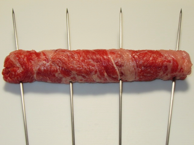 牛肉の白ねぎ巻きの串打ち方法