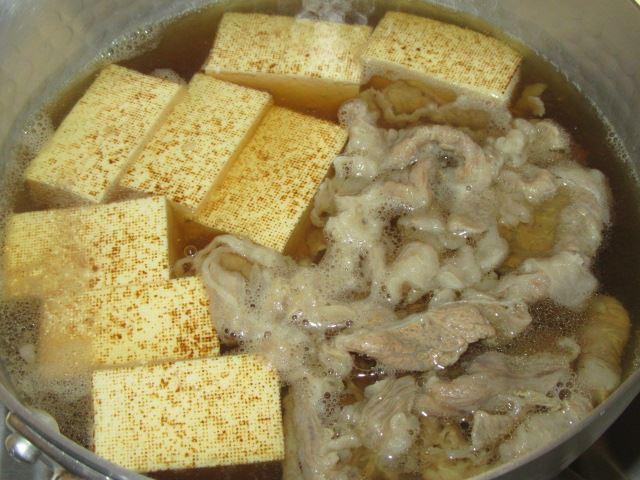 牛肉と焼き豆腐の煮物レシピ,加熱の工程