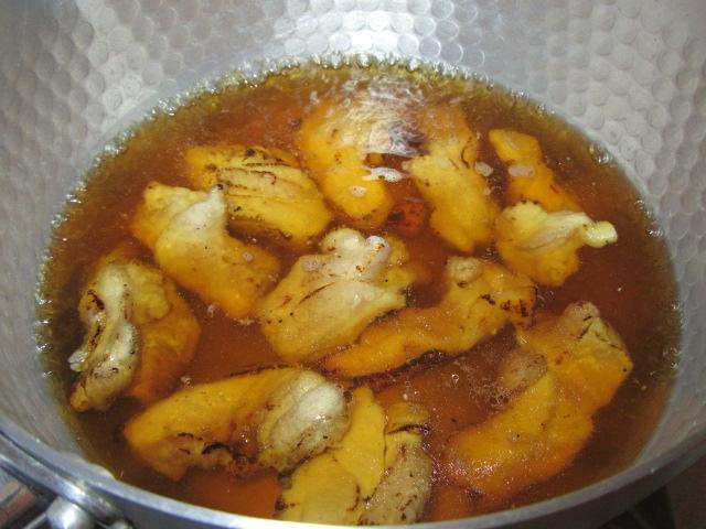 焼き色を付けた鶏肉の煮物の作り方手順