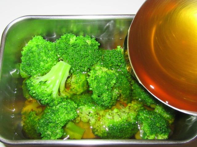ブロッコリーの味つけ方法,地漬けの工程