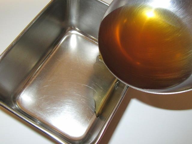 煮物を容器に移すときのじあらい工程