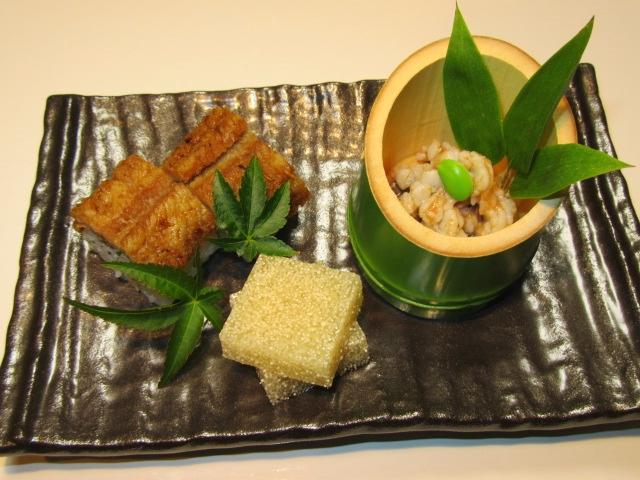 鱧料理の前菜三種盛り,鱧寿司,梅肉和え,鱧の子ゼリー寄せ