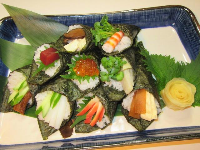 手巻き寿司の盛り合わせ,ご飯物の献立