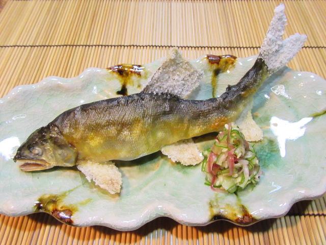 鮎の塩焼き,胡瓜とみょうがの甘酢和え,夏の焼き物の献立