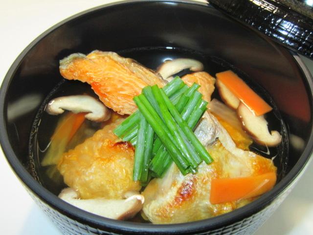 鮭かまとはらすの吸い物,焼き鮭を使用した椀物の献立