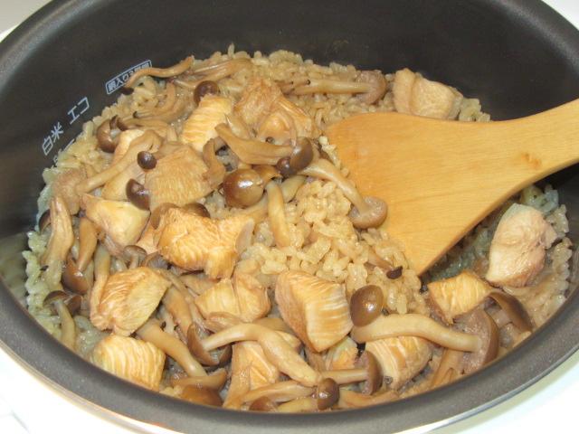 鶏としめじの炊き込み御飯