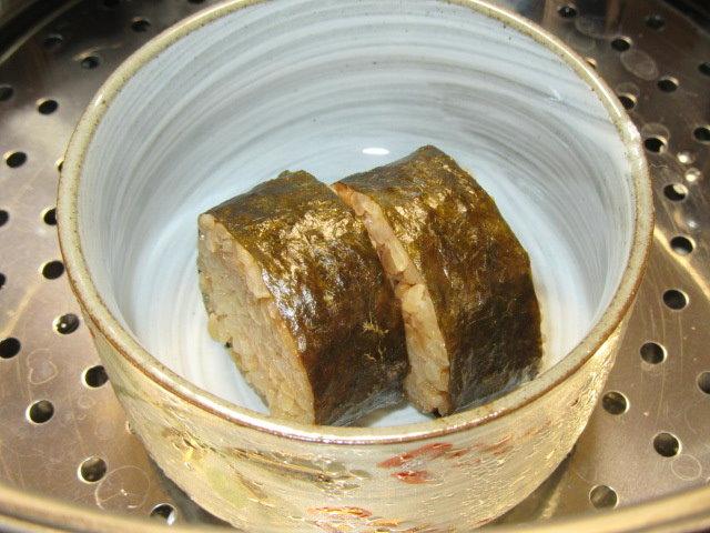 炊き込み御飯のおこげのあんかけを蒸す工程