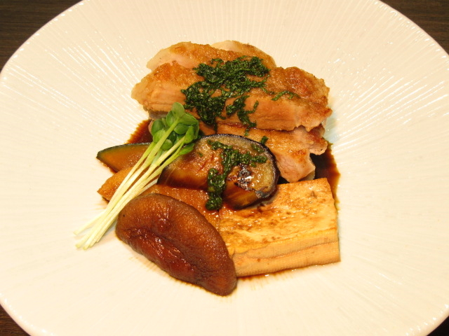 豚ロース焼き物,椎茸,豆腐,南瓜,茄子,長芋,貝割れ,大葉