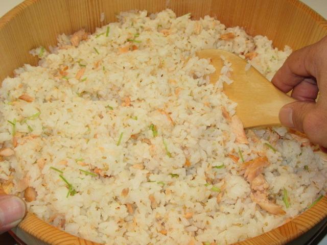 焼き鮭の混ぜご飯の作り方