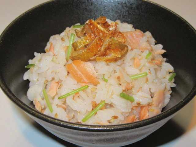 焼き鮭の混ぜご飯